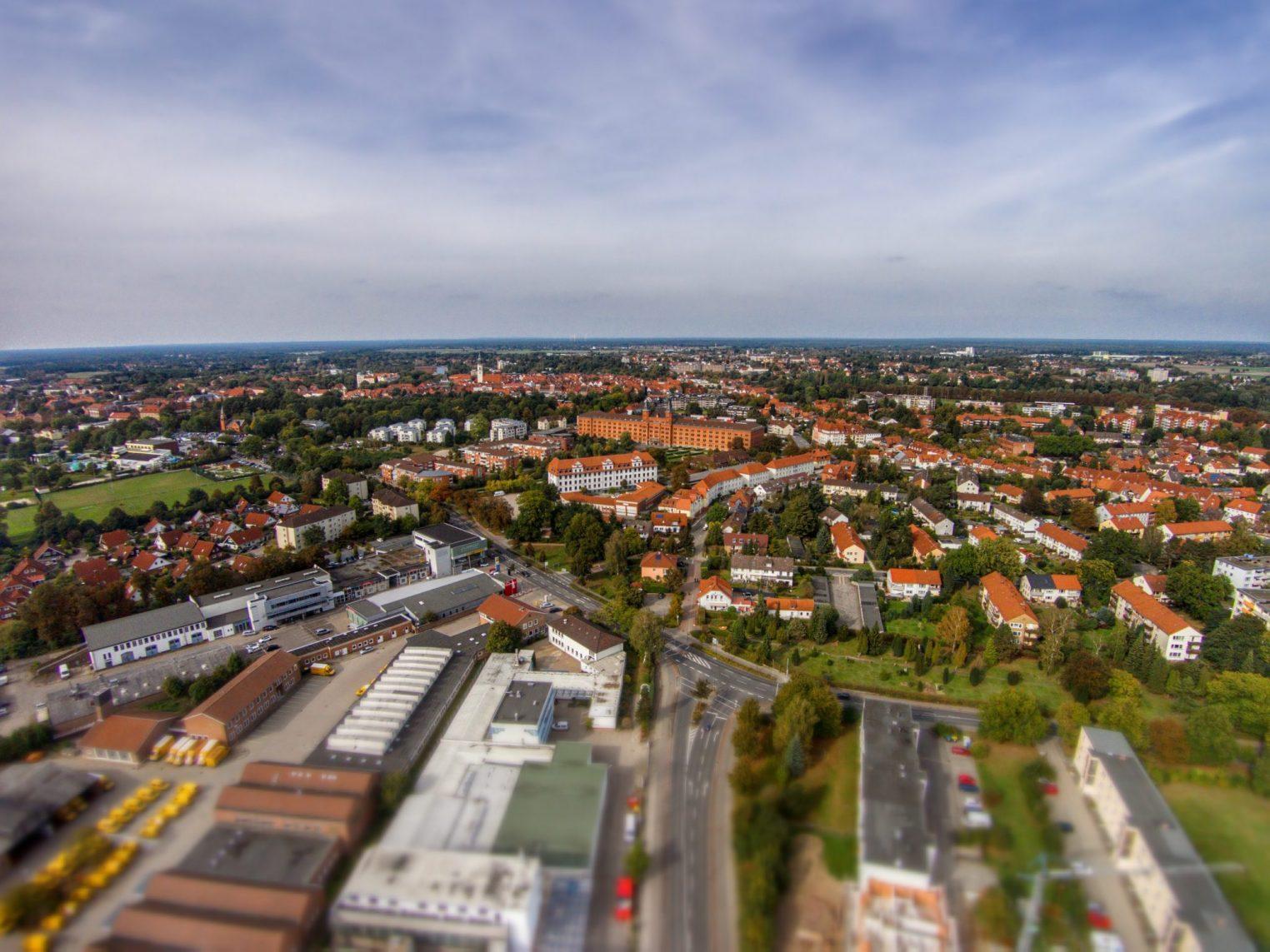 Celle aus der Luft mit neuem Rathaus