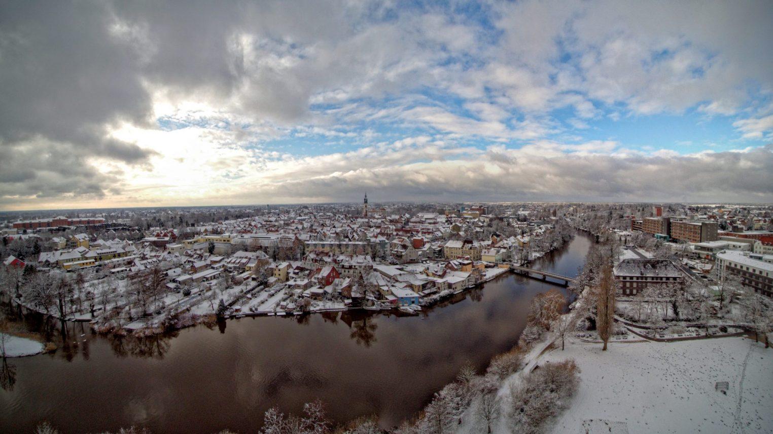 Celle im Winterpanorama- Celle im Schnee – An der Aller