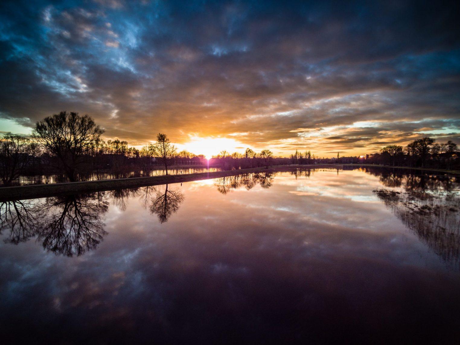 Sonnenuntergang an den Dammaschwiesen Celle
