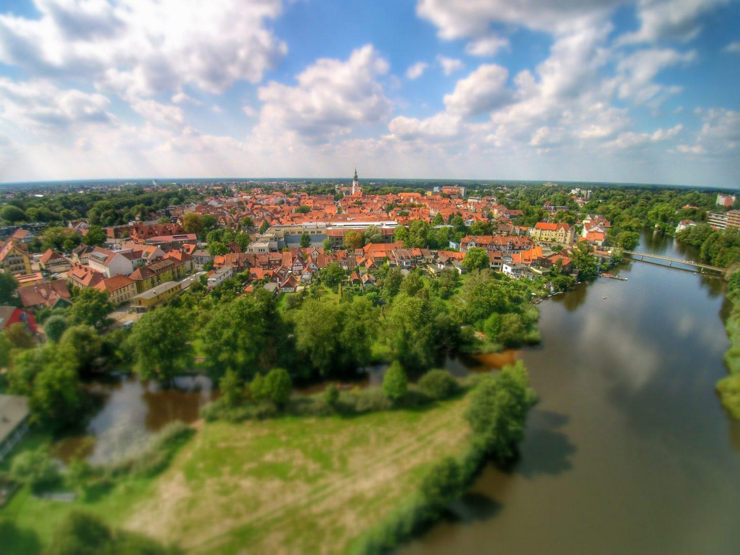 Stadtpanorama von Celle und der Aller – Pfennigbrücke